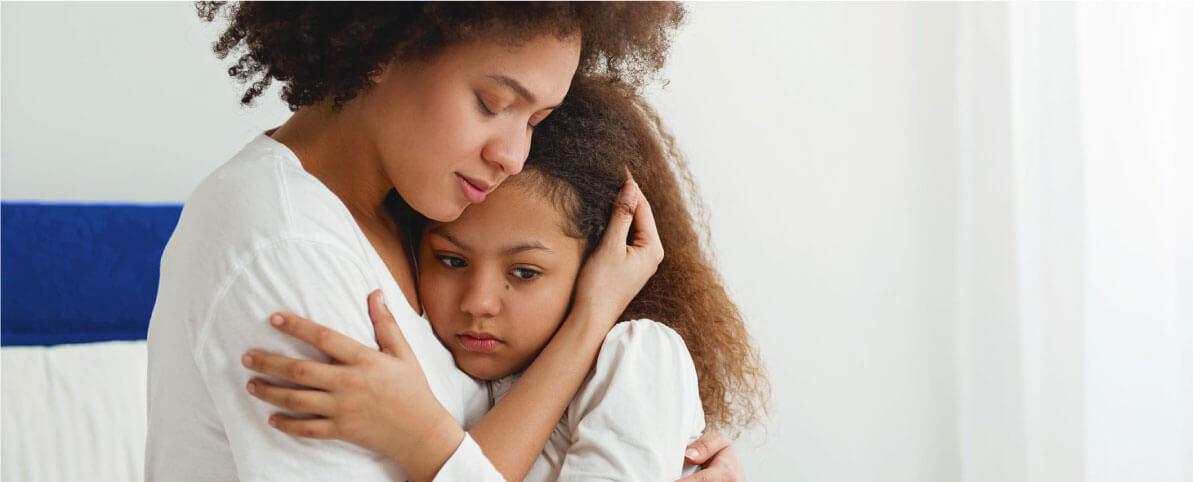 9 signos de que eres una madre o padre sobreprotector