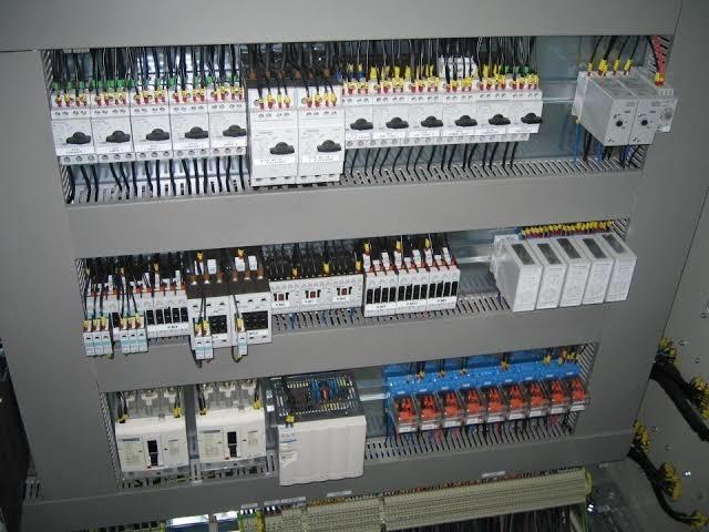 Servicio de intalaciones y reparaciones electricas