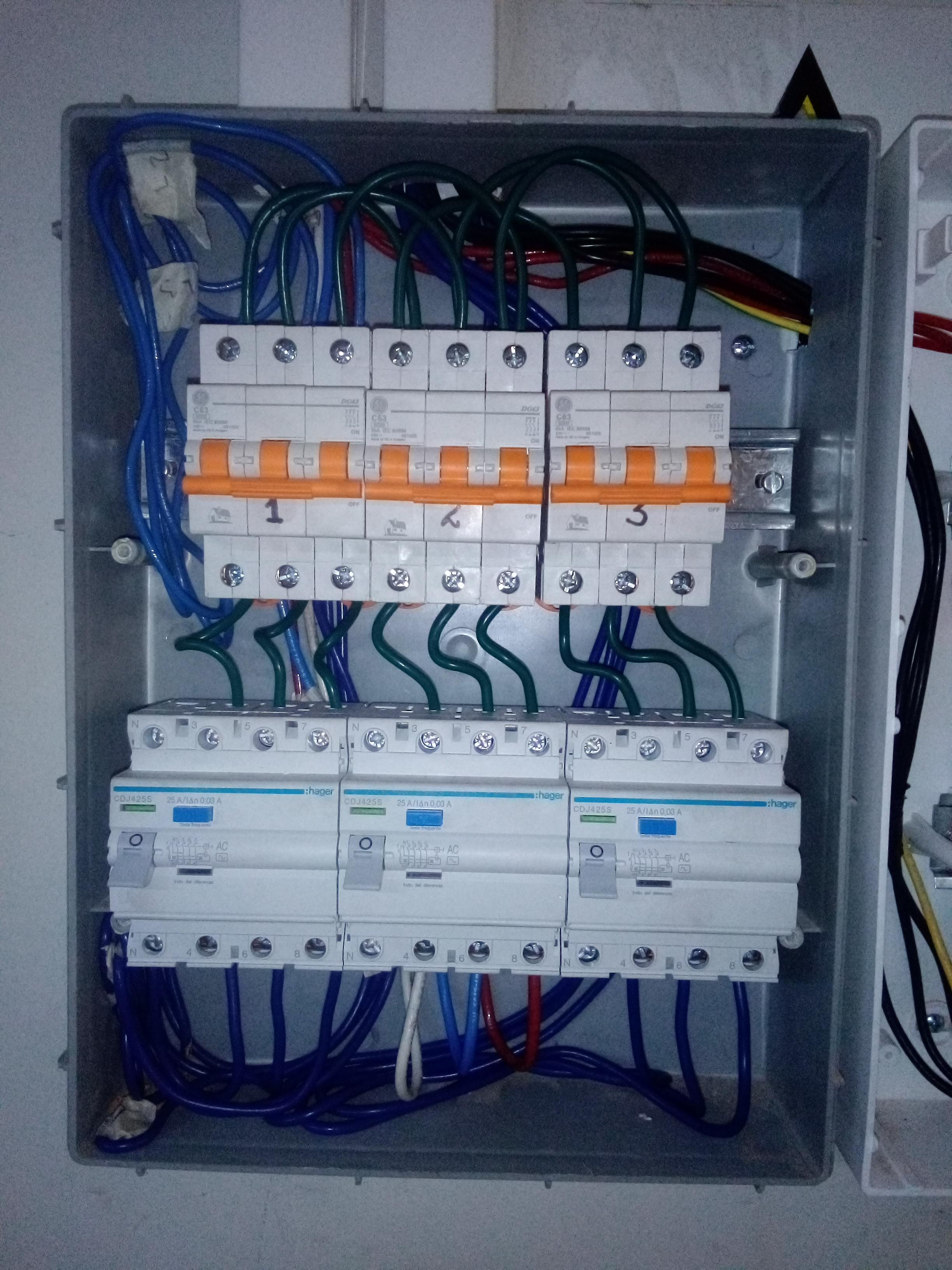 Servicios e Instalaciones Eléctricas