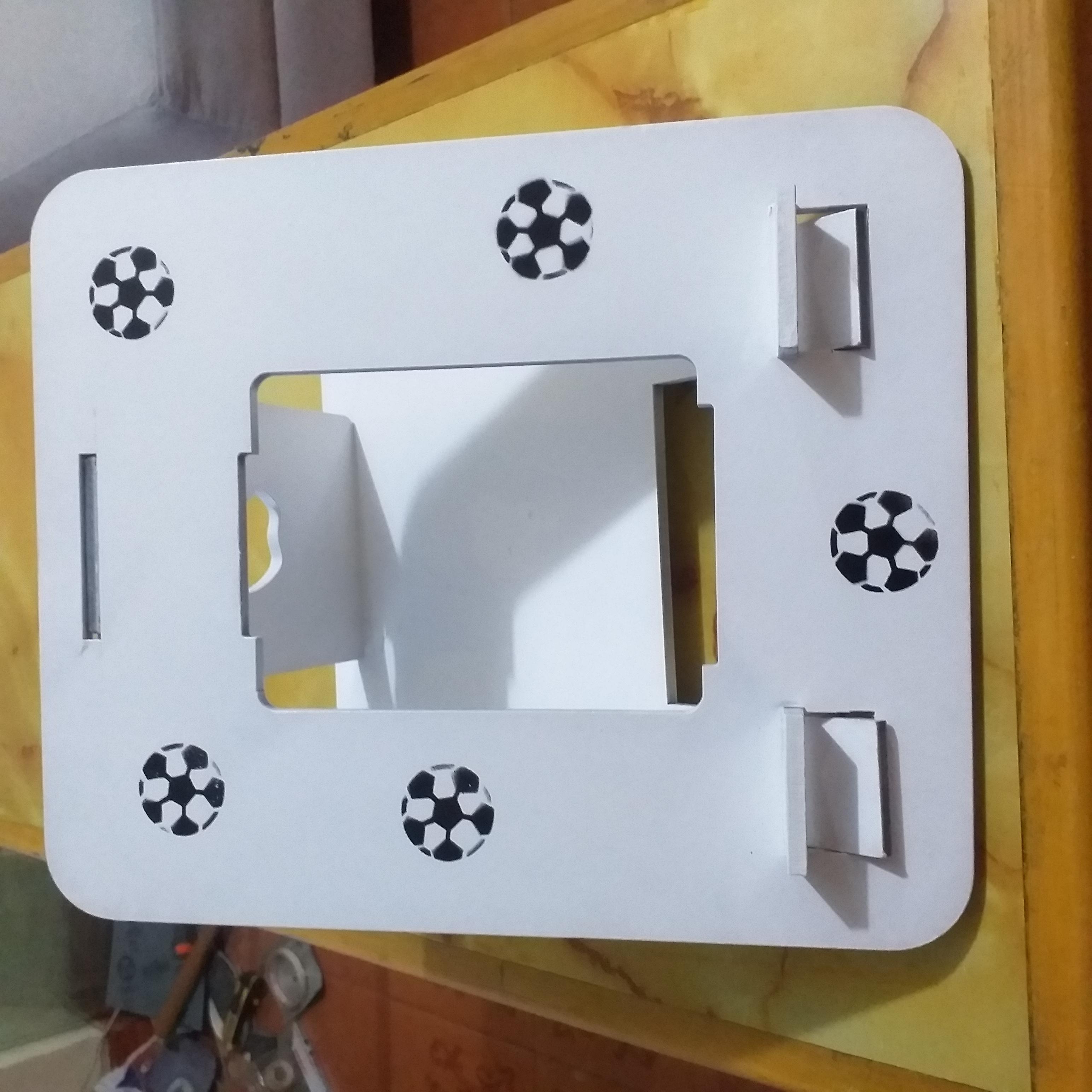 Fabricamos mesita porta laptop